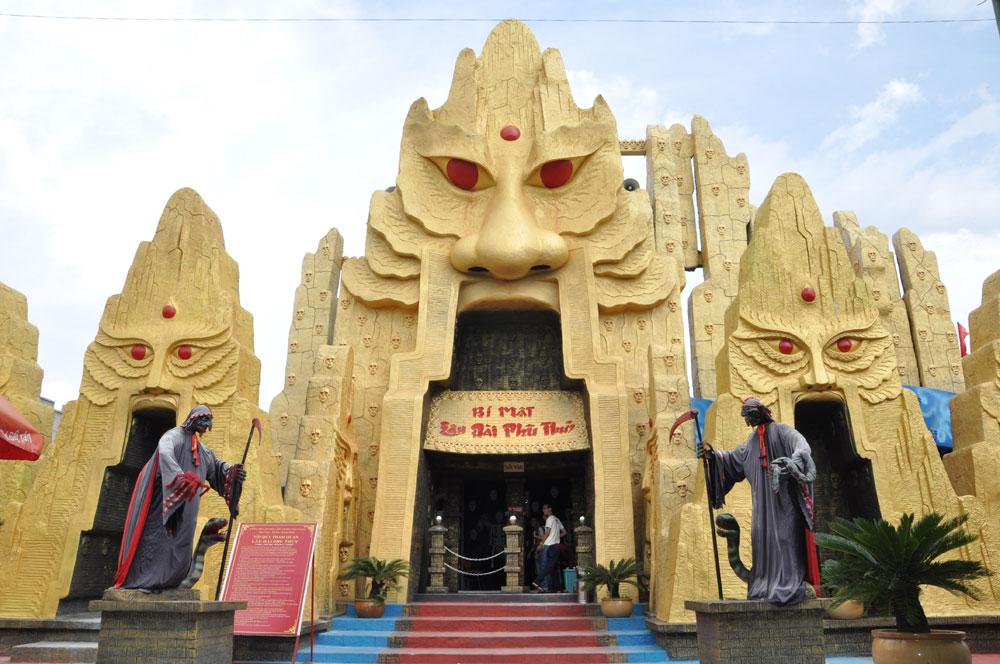 Đây chính là căn cứ địa của mụ phù thủy Simla độc ác trong Khu vui chơi,  giải trí Đại Nam.